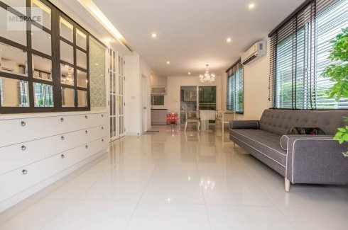 2 bedroom townhouse for sale or rent in Town Avenue Rama 9