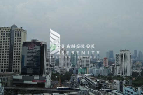 3 bedroom apartment for rent near BTS Asoke