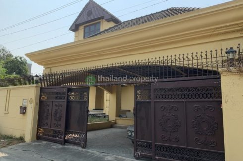 For Rent House In Sukhumvit 65 4 Minute Walk From Bts Ekkamai House For Rent In Bangkok Thailand Property