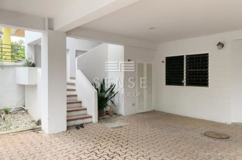 Affordable 2 Bed House For Rent In Sukhumvit 26 House For Rent In Bangkok Thailand Property
