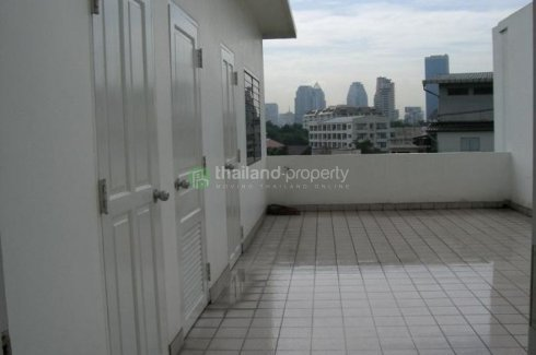 4 bedroom townhouse for rent in Silom, Bang Rak