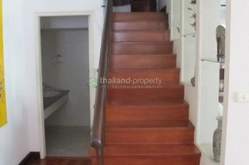 3 bedroom townhouse for rent in Khlong Tan, Khlong Toei