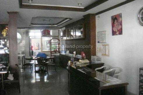 3 bedroom townhouse for rent near BTS Sala Daeng