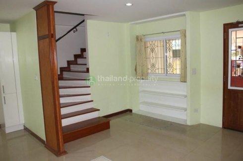 3 bedroom townhouse for rent in Bang Kho Laem, Bangkok